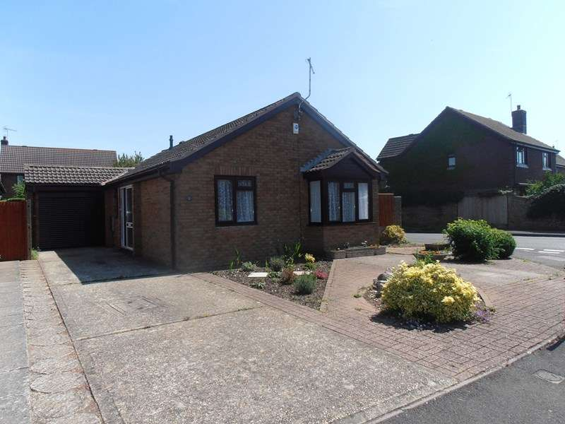3 Bedrooms Detached Bungalow for sale in Shaw Drive, Wareham