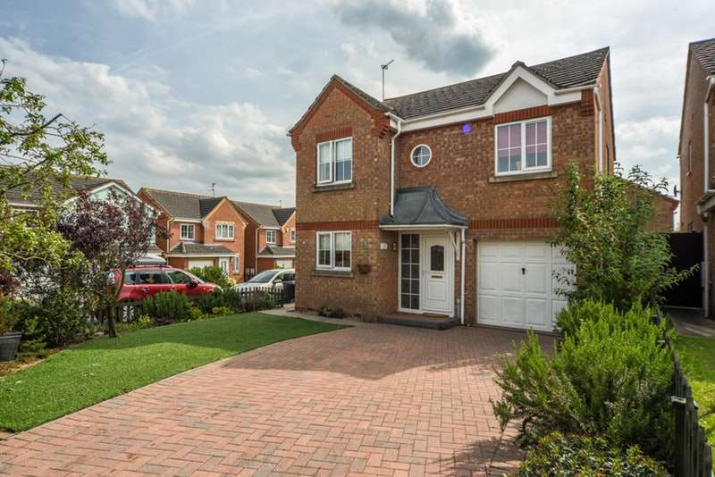 4 Bedrooms Detached House for sale in Merestone Road, Corby, Northamptonshire, NN18