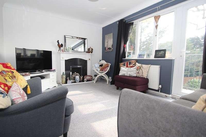2 Bedrooms Apartment Flat for sale in Oak Road, Fareham