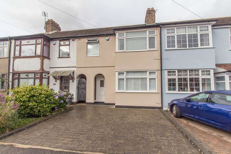 3 Bedrooms Terraced House for sale in Eddy Close, Romford, RM7