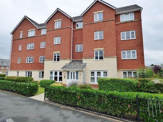 3 Bedrooms Flat for sale in McKinley Street, Great Sankey, Warrington