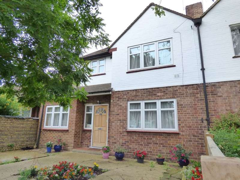 4 Bedrooms Semi Detached House for sale in KILMOREY GARDENS, ST. MARGARETS