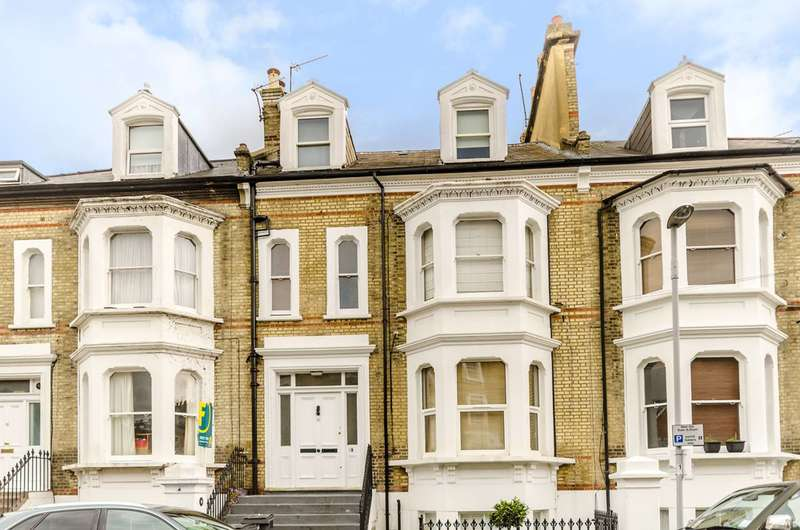 3 Bedrooms Flat for sale in North Road, Surbiton, KT6