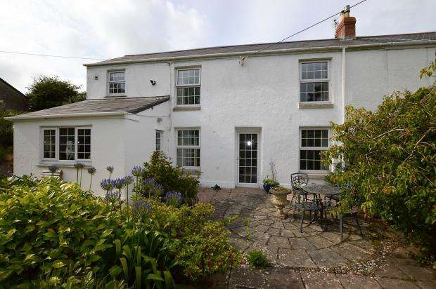 2 Bedrooms End Of Terrace House for sale in Spring Cottage, Trungle Terrace, Paul