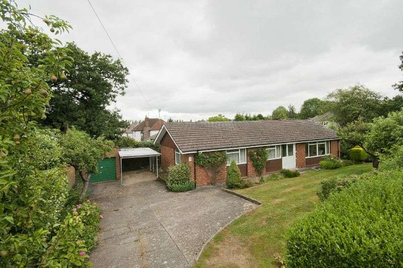 3 Bedrooms Detached Bungalow for sale in Woodfield Avenue, Northwood