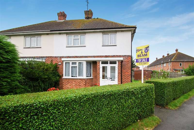 3 Bedrooms Semi Detached House for sale in Count Alan Road, Skegness