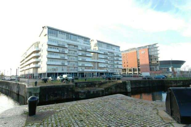2 Bedrooms Apartment Flat for sale in Block 4 , Royal Quay, Liverpool
