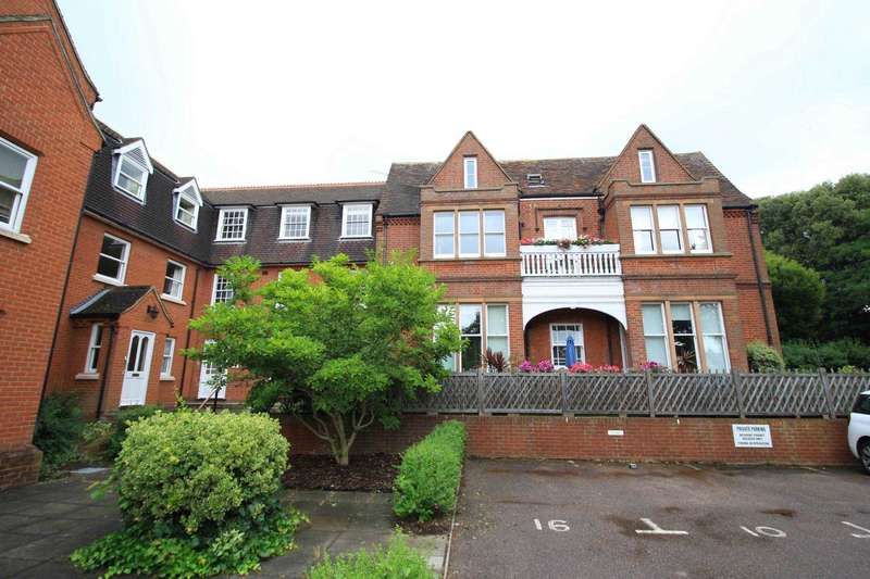 3 Bedrooms Apartment Flat for sale in Henley Road, Ipswich