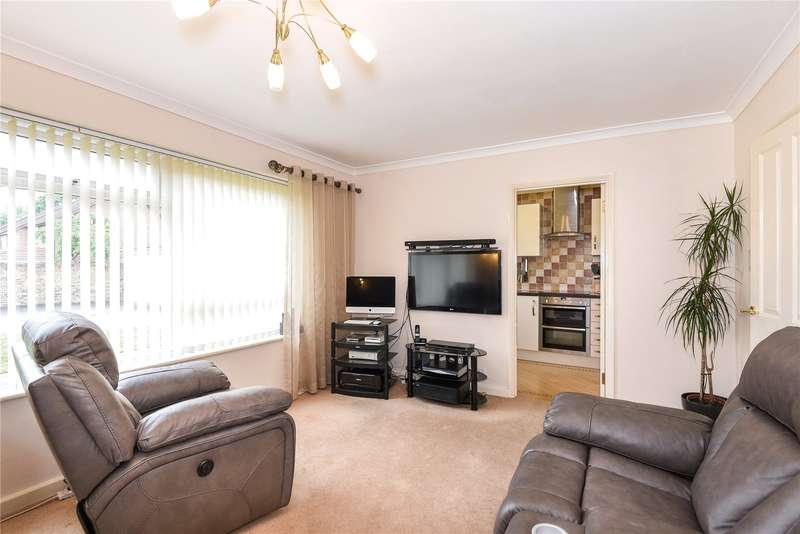 2 Bedrooms Apartment Flat for sale in Wharf Court, Iver Lane, Uxbridge, Middlesex, UB8