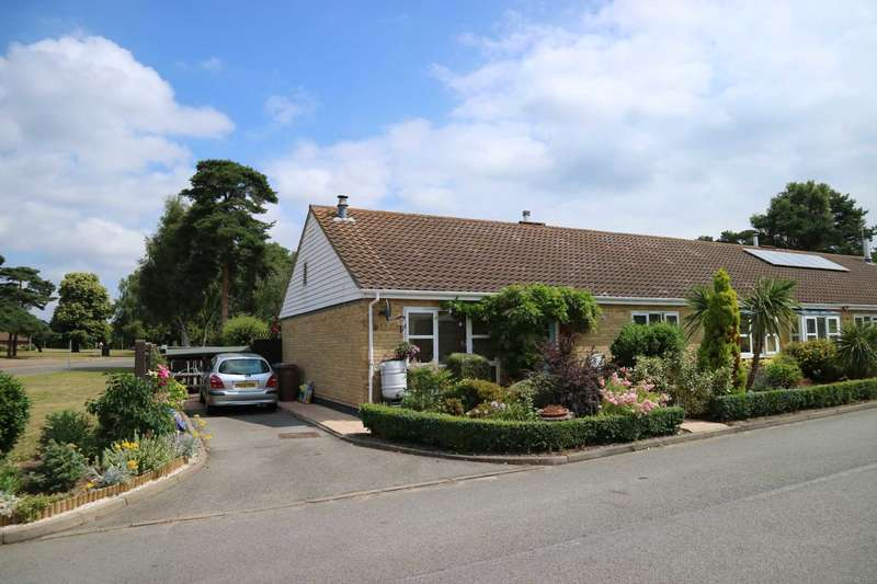 3 Bedrooms Bungalow for sale in Greenways, Sutton Heath