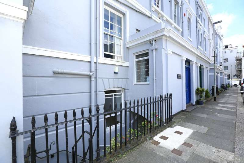 2 Bedrooms Ground Flat for sale in The Hoe, Plymouth