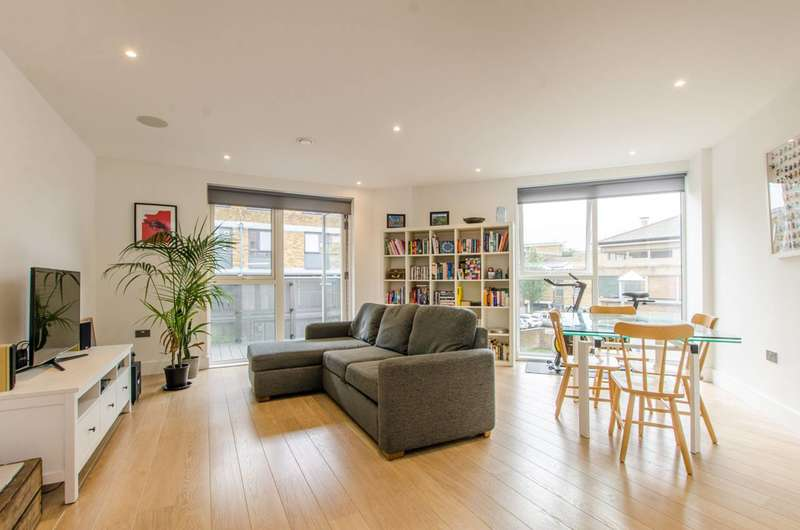 1 Bedroom Flat for sale in Stockwell Park Walk, Brixton, SW9