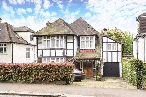 4 Bedrooms Detached House for sale in Wise Lane, Mill Hill