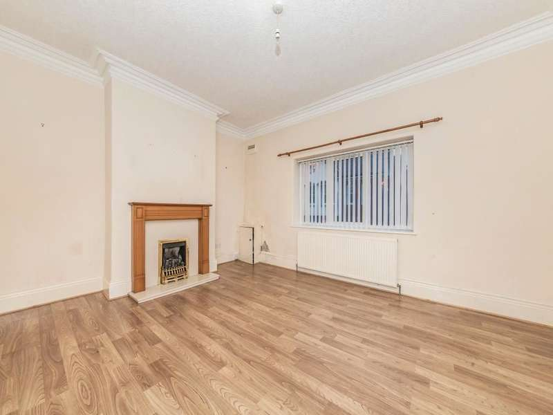 2 Bedrooms Flat for sale in Dean Terrace, Ryton, NE40