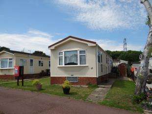 2 Bedrooms Detached House for sale in Bluebell Woods, Shalloak Road, Broad Oak, Canterbury