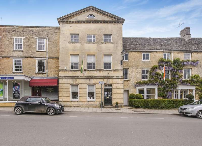 Flat for sale in Market Place, Fairford