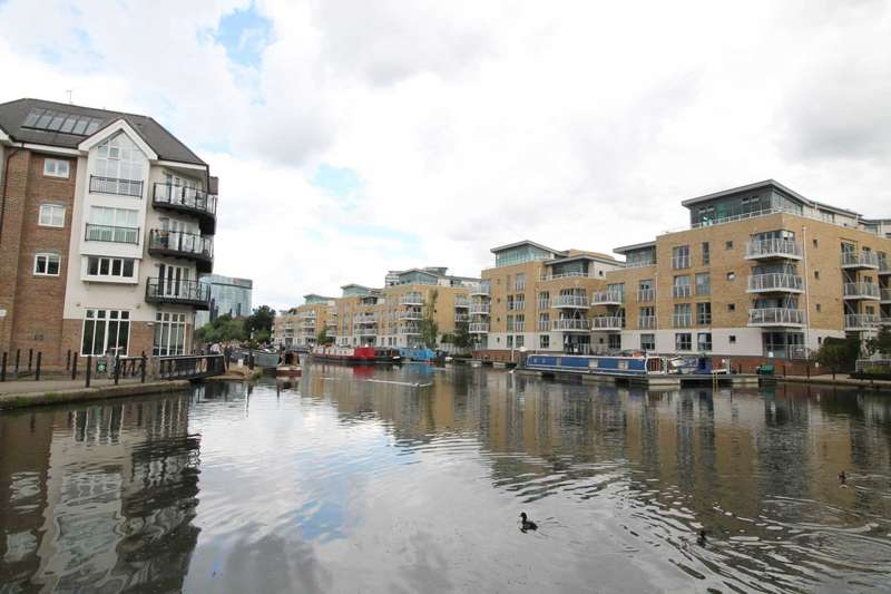 1 Bedroom Apartment Flat for sale in Tallow Road, Brentford, TW8