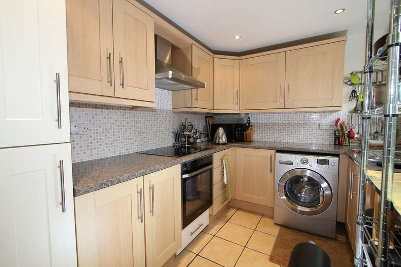 4 Bedrooms End Of Terrace House for sale in Harold Evers Way, Kidderminster, DY10