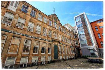 2 Bedrooms Flat for sale in Candleriggs, Merchant City, Glasgow