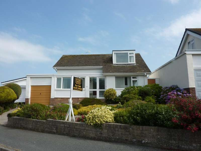 3 Bedrooms Bungalow for sale in Rochester Way, Rhos On Sea, Colwyn Bay, LL28 4NJ