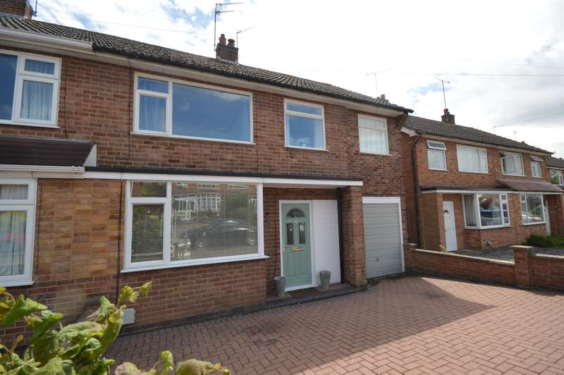 4 Bedrooms Semi Detached House for sale in Hillberry Close Narborough LE19 3EW