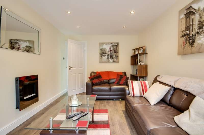 1 Bedroom Flat for sale in St. John's court, Wakefield, West Yorkshire, WF1