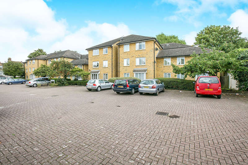 2 Bedrooms Flat for sale in Malyons Road, London, SE13