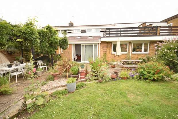 4 Bedrooms Semi Detached House for sale in 46 Copperfields, Kemsing, Sevenoaks, Kent