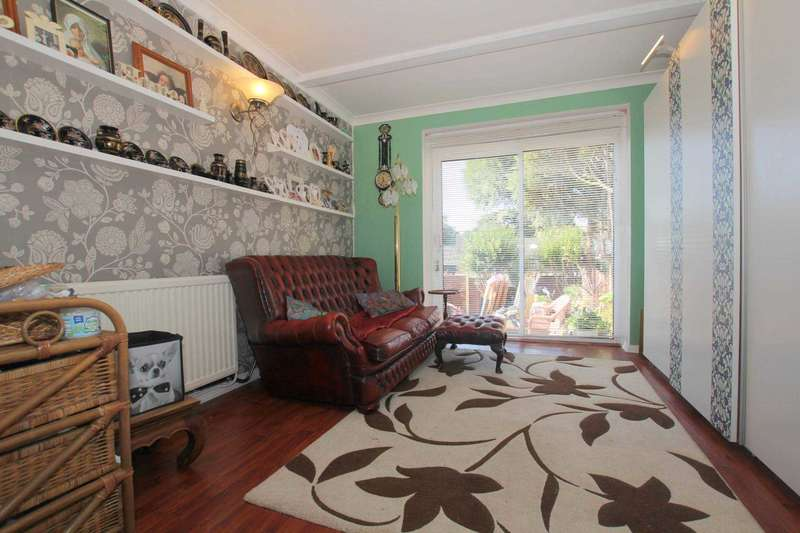 3 Bedrooms House for sale in EXTENDED - 1025 SQ FT - 3 BED HOUSE - LOVELY GARDEN, HP2