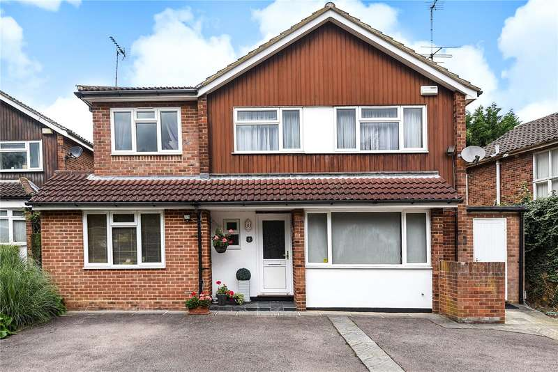 4 Bedrooms Detached House for sale in Magnaville Road, Bushey, Hertfordshire, WD23