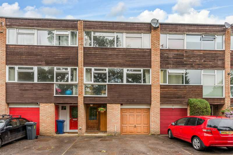 3 Bedrooms Terraced House for sale in Cranleigh