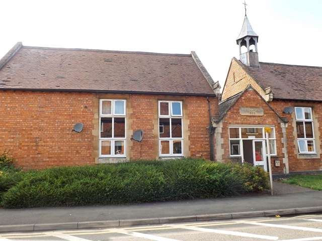 1 Bedroom Ground Flat for sale in Kings Road, Evesham