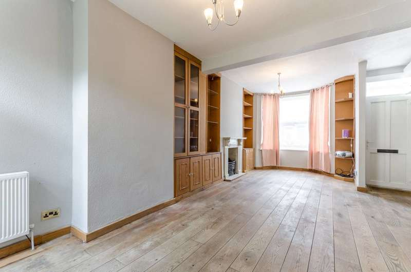 2 Bedrooms Terraced House for sale in Falcon Street, Plaistow, E13