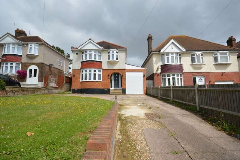 3 Bedrooms Detached House for sale in Watling Street, Rochester, ME2