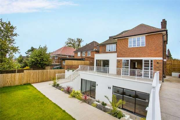 6 Bedrooms Detached House for sale in Heathcroft, Ealing