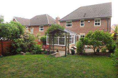 4 Bedrooms Detached House for sale in Pavilion Way, Congleton, Cheshire