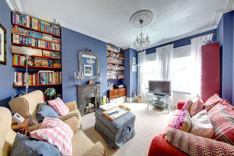 3 Bedrooms Maisonette Flat for sale in Kingston Road, Wimbledon Chase, London, SW20 8JR