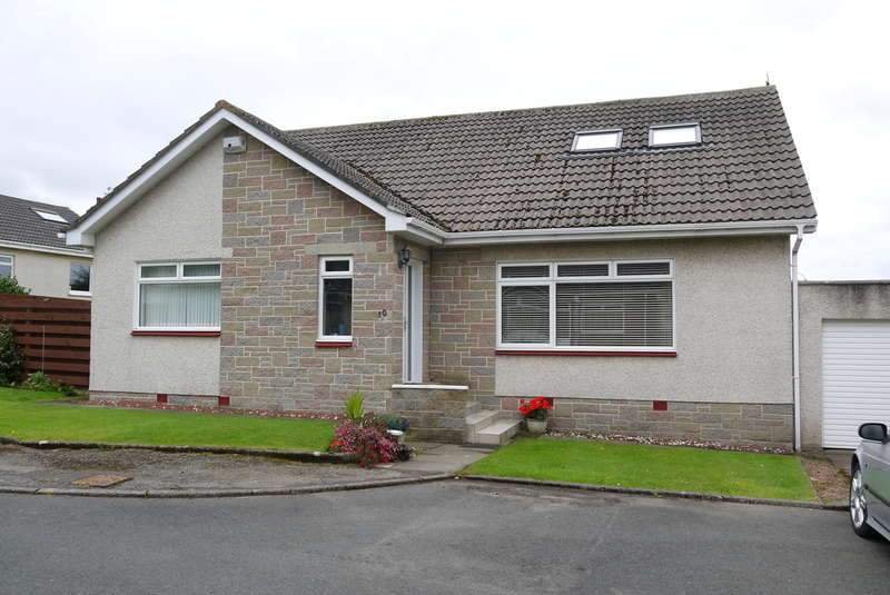 5 Bedrooms Bungalow for sale in Ardlochan Avenue, MAIDENS, Girvan, KA26