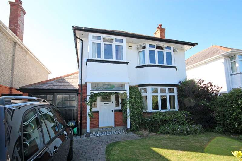3 Bedrooms Detached House for sale in Brightlands Avenue, Hengistbury Head, Bournemouth