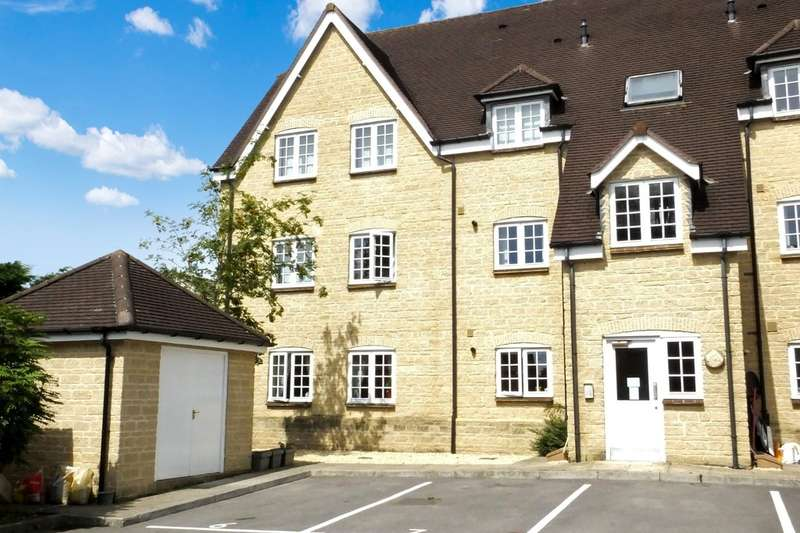3 Bedrooms Ground Flat for sale in Tetbury