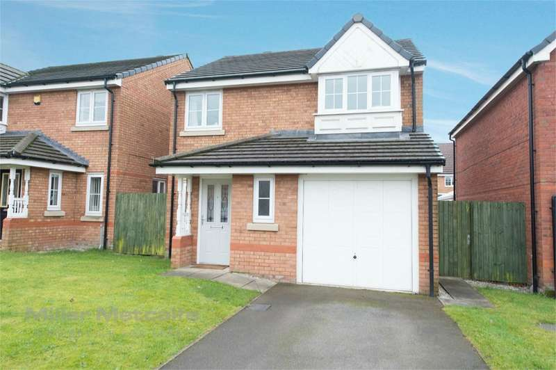 3 Bedrooms Detached House for sale in Shawcroft View, Bolton, BL1
