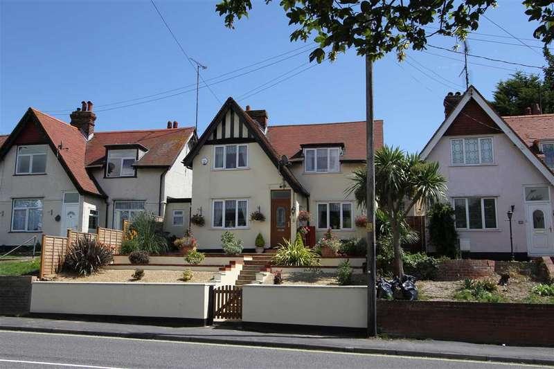 3 Bedrooms Detached House for sale in Garrison Lane, Felixstowe