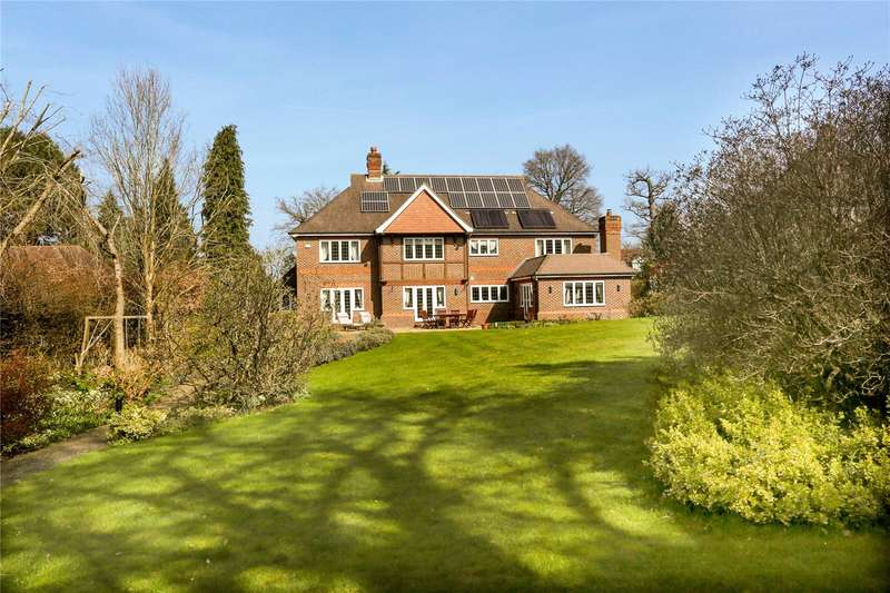 5 Bedrooms Detached House for sale in Beech Drive, Kingswood, Tadworth, Surrey, KT20