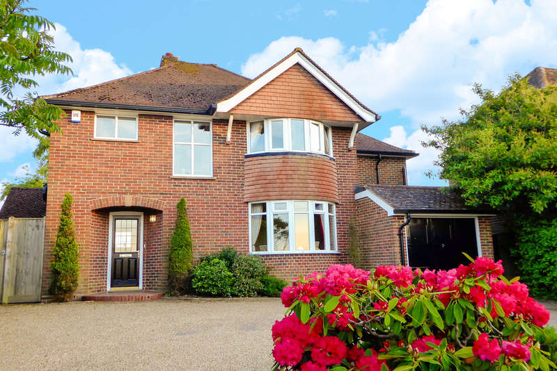 4 Bedrooms Detached House for sale in Holtye Road, East Grinstead