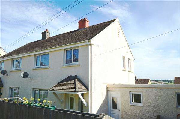 3 Bedrooms Semi Detached House for sale in FALMOUTH
