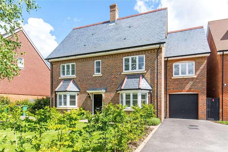 4 Bedrooms Detached House for sale in Cook Way, Broadbridge Heath, Horsham, West Sussex, RH12