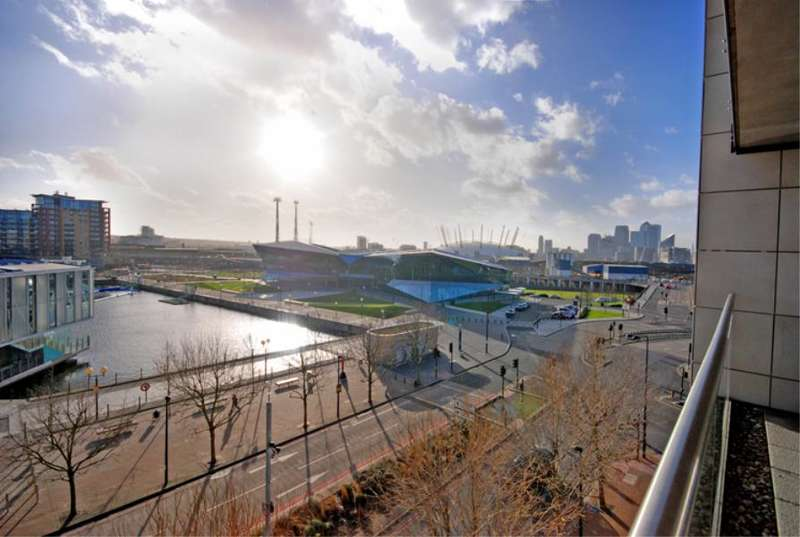 2 Bedrooms Flat for sale in Capital East, Royal Docks, E16