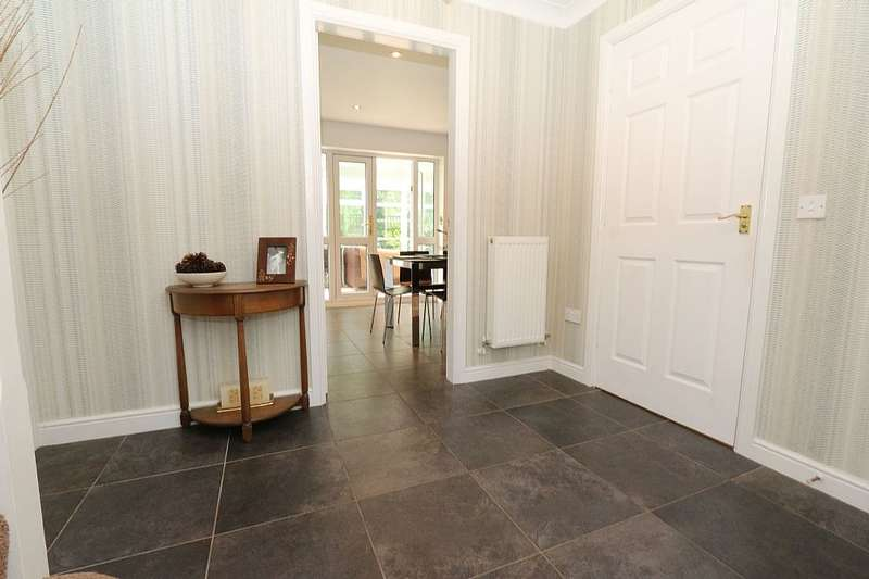 4 Bedrooms Detached House for sale in The Cherries, Euxton, Chorley, Lancashire, PR7 6NG