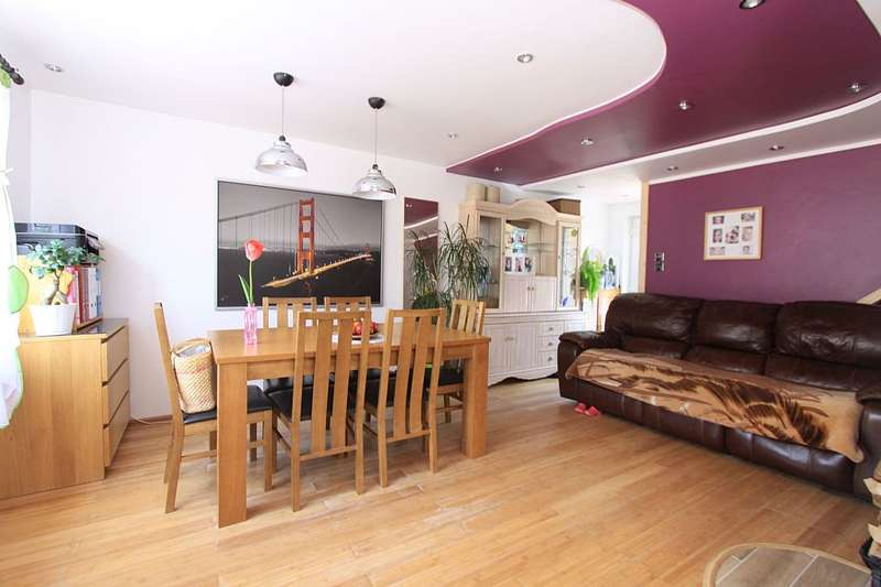 3 Bedrooms Semi Detached House for sale in Lidsey Road, Banbury, Oxfordshire, OX16 0ND