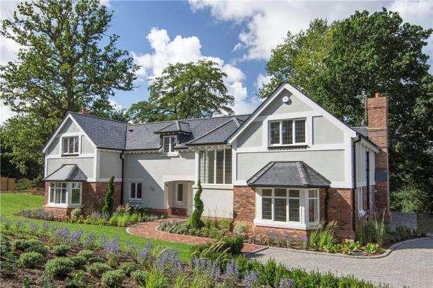 5 Bedrooms Detached House for sale in Jubilee Road, Finchampstead, Wokingham